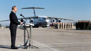 Präsident Putin zu Besuch auf dem russischen Luftwaffenstützpunkt Khmeimim in Syrien