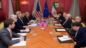Robert Malley (5. v. l.) bei den Atomverhandlungen mit dem Iran 2015