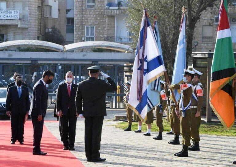 Eine Folge des Abraham-Abkommens: Am 1. März traf der erste Botschafter der Vereinigten Arabischen Emirate in Israel ein. (© imago images/ZUMA Wire)
