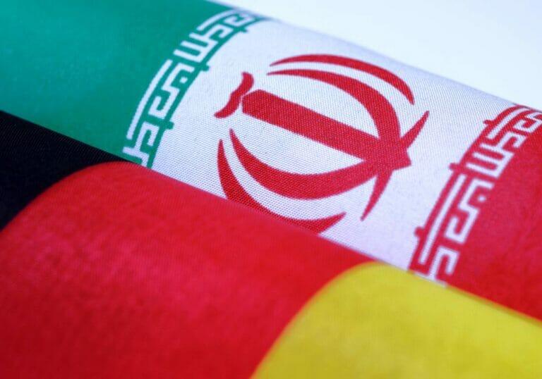 Eine deutliche Mehrheit der Deutschen unterstützt neue Sanktionen gegen den Iran. (© imago images/Rainer Unkel)