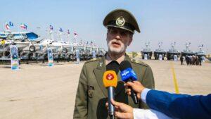 Irans Verteidigungsminister Amir Hatami bei der Einweihung von Hochgeschwindigkeitsbooten für die Revolutionsgarden