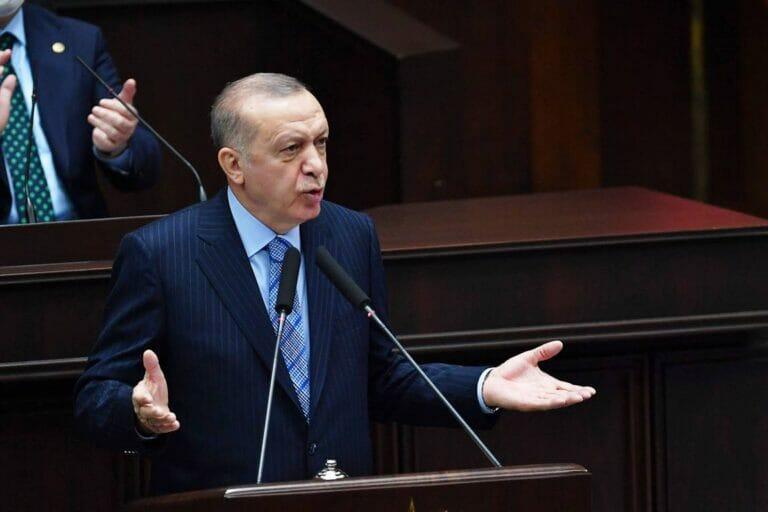 Musste sich noch nie um so schlechte Umfragewerten sorgen: der türkische Präsident Erdogan. (© imago images/Depo Photos)