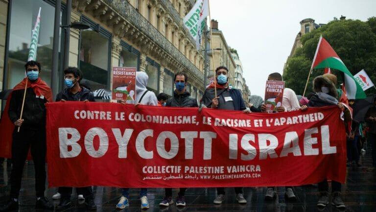 Protest der antisemitischen BDS-Bewegung anlässlich des Hamas-Raketenterrors gegen Israel