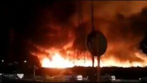 Anwohner luden Bilder des Brandes nahe der Atomanlage Bushehr im Internet hoch