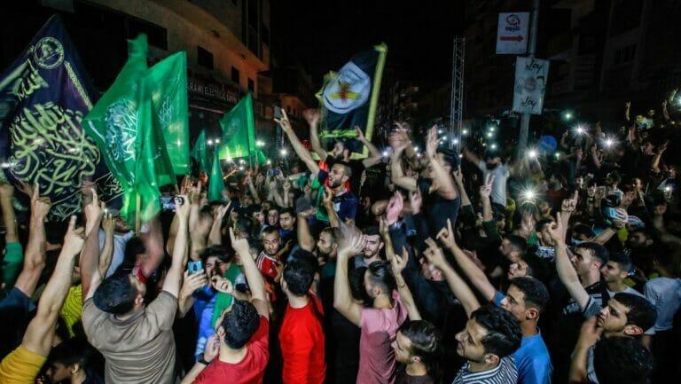 Die Hamas in Gaza feiert den Waffenstillstand als Sieg über Israel