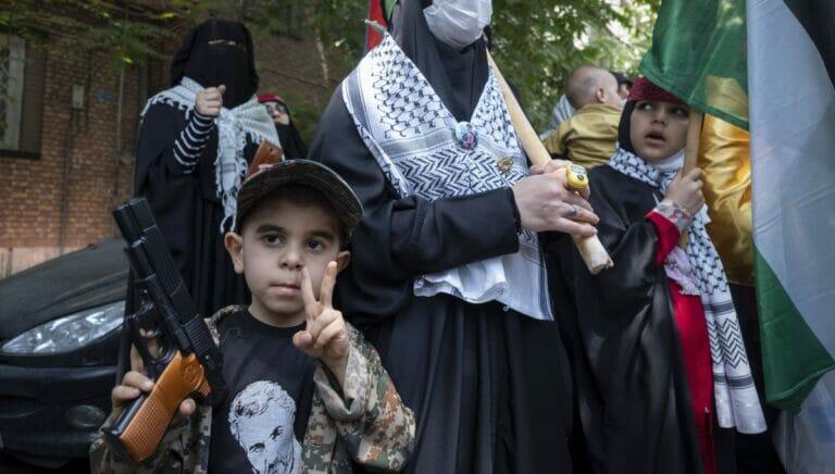 Solidartitätsdemonstration für den Raketenterror der Hamas gegen Israel in Teheran