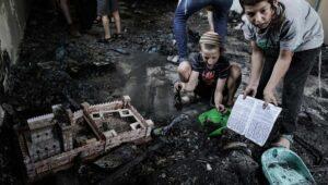 Als zeichen der Versöhnung trat Mansour Abbas in einer der in Brand gesteckten Synagogen in Lod auf