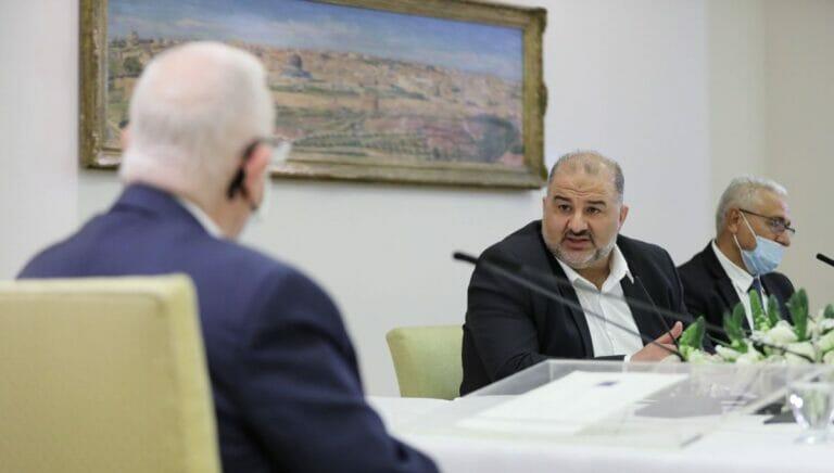 Der Chef der arabischen Ra'am-Partei bei SIraels Staatspräsident Reuven Rivlin