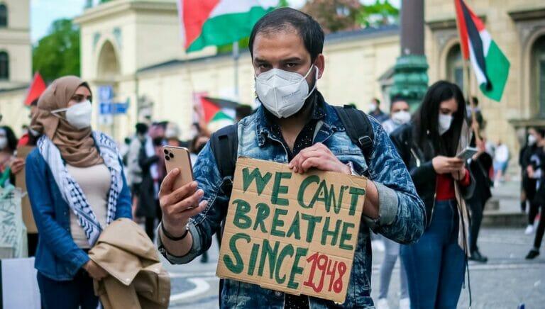 Antisemitismus: Demonstrant in München spricht Israel das Existenrecht ab