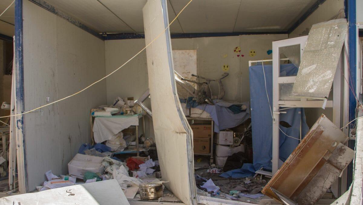 Granatenangriff durch syrsiche Truppen auf das Krankenhaus in Atarib bei Aleppo im Mai 2021
