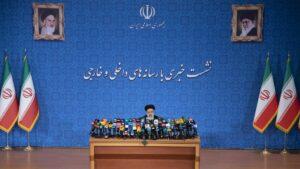 Ebrahim Raisis erste Pressekonferenz als neugewählter Präsident des Iran