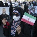 Nach Wahlsieg: Raisi-Anhänger feiern mit Fotos von Qasem Soleimani