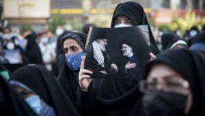 Die Wahl des potentiellen Khamenei-Nachfolgers Raisi gilt als ausgemachte Sache