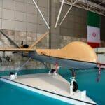 Iranische Drohne, vorgeführt auf einer Luftfahrtmesse der Revolutionsgarden in Teheran. (© imago images/Pacific Press Agency)