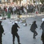 Palästinensische Sicherheitskräfte gehen mit Tränengas gegen Anti-abbas-Demonstranten vor