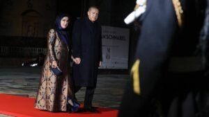 Stehen wegen Hang zu Luxus in der Kritik: Emine und Recep Tayyip Erdogan