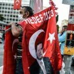 Devotionalienverkauf für den fünften Jahrestags des Putschversuchs gegen Erdogan