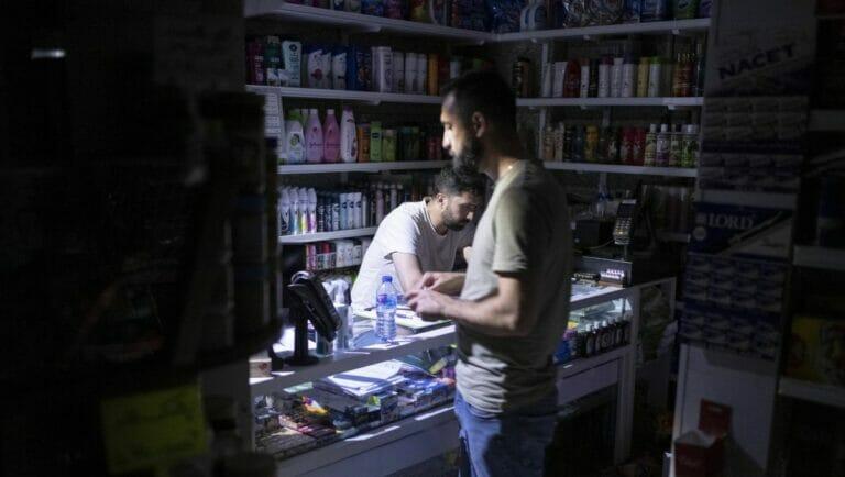 Stromausfälle: Seit Tagen bleibt es in Irans Städten dunkel