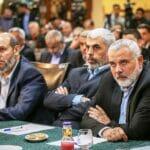 Die Hamas-Führung (im Bild Mahmud az-Zahar, Yahya Sinwar und Ismail Haniyeh) sind alles andere als erfreut über das Vorgehen der saudi-arabischen Justiz. (© imago images/ZUMA Press)