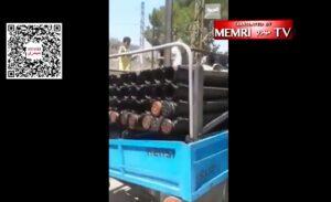 Bewohner eines drusischen Dorfes stellen sich Terroristen der Hisbollah in den Weg. (Quelle: MEMRI TV/Twitter)