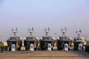 Mit ihren Schnellbooten terrorisieren die iranischen Revolutionsgarden den Schiffsverkehr im Persischen Golf. (© imago images/Poolfoto)