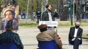 Ahmad Massoud und Bernard-Henri Lévy bei einer Gedenkfeier für den 2001 von al-Qaida ermordeten Ahmad Shah Massoud