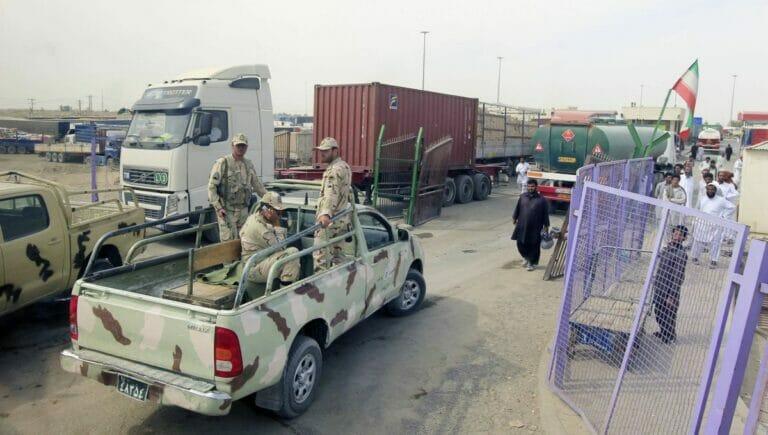 Iran hat seine Grenzen für Ölexporte nach Afghanistan wieder geöffnet