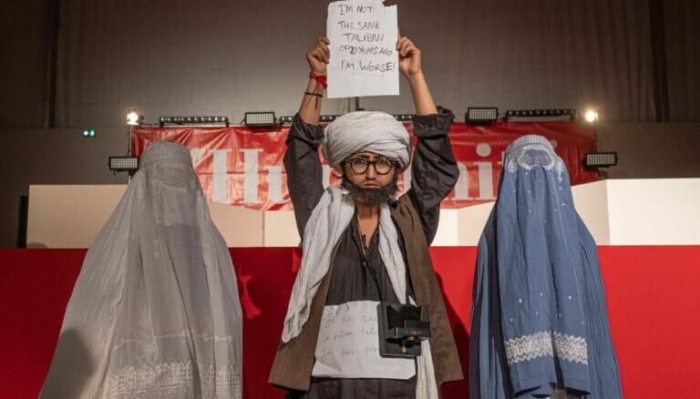 Afghanische Flüchtlinge demonstrieren gegen die Taliban