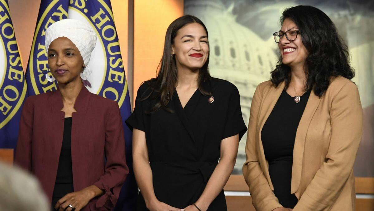 "Drei US-Demokratinnen des ""Squad"": Ilhan Omar, Alexandria Ocasio-Cortez und Rashida Tlaib"