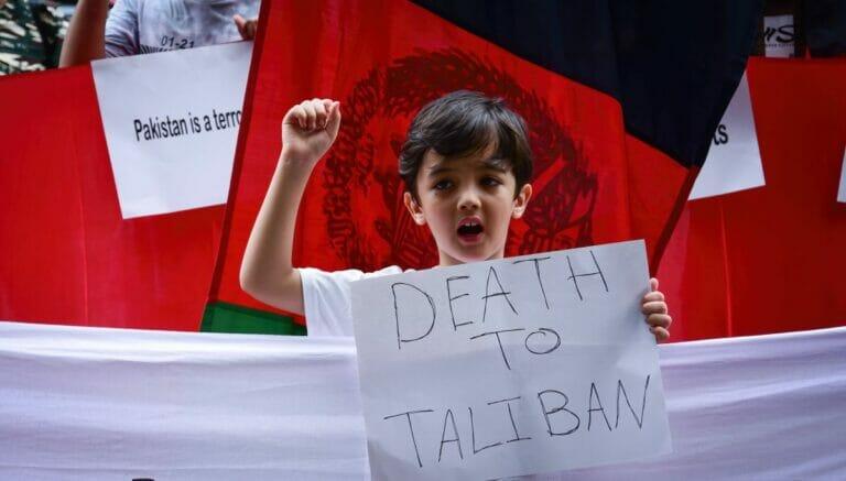 Afghanische Flüchtlinge in New Delhi demonstrieren gegen die Taliban