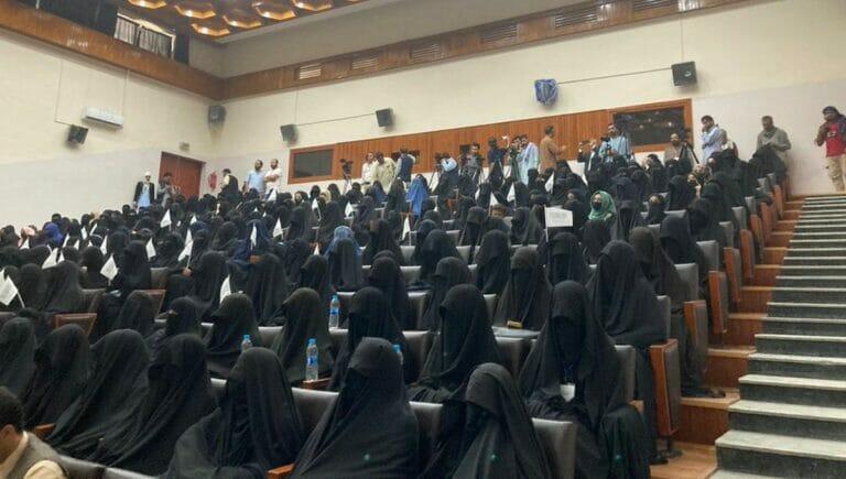 Propagandaaktion der Taliban an einer afghanischen Universität