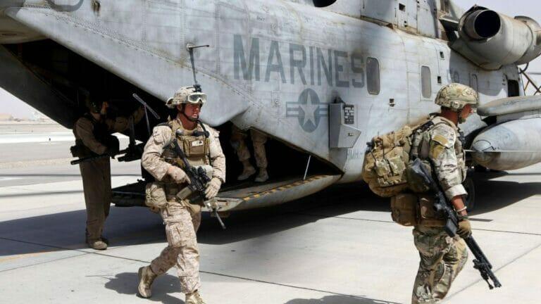 Veteranen der US-Marines Veteranen versuchen, ehemalige afghanische Kameraden in Sicherheit zu bringen
