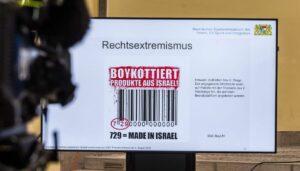 """Linke BDS-Aktivisten oder Rechtsextreme? Aufkleber der Neonazi-Partei """"III. Weg"""""""