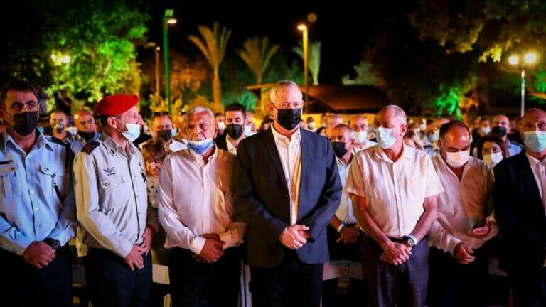 """Israels Verteidigungsminister Gantz bei der Zeremonie """"Allianz der Brüder"""" am Denkmal für die beduinischen Soldaten"""