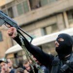 Hisbollah-Anhänger bei der Begräbniszeremonie für die beim Beiruter Schusswechsel Getöteten