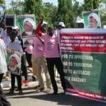 """Nigerianer demonstrieren 2015 für die Freilassung des Führers der """"Islamischen Bewegung"""", Ibrahim Zakzaky"""